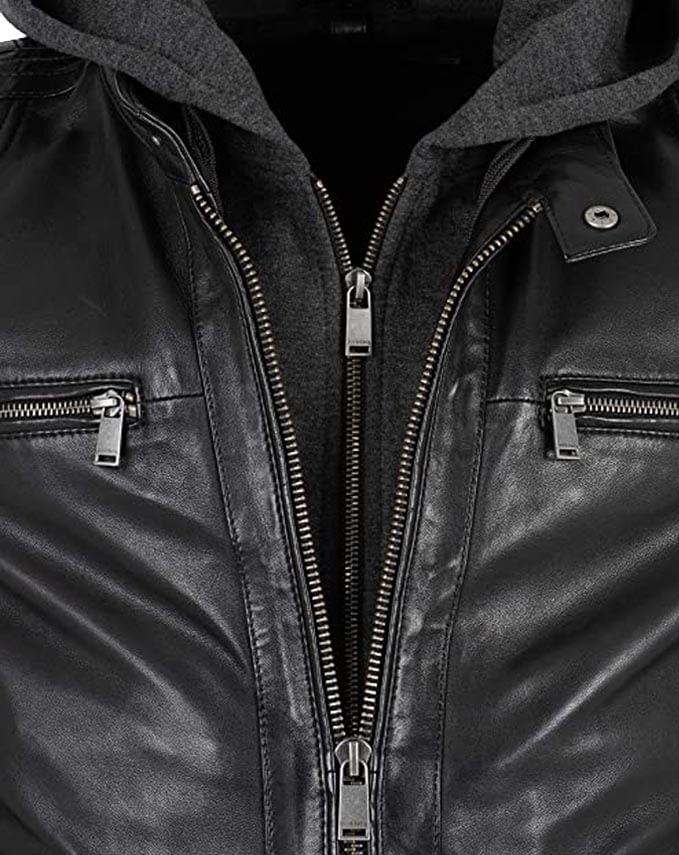schwarze Bikerjacke mit Kapuze